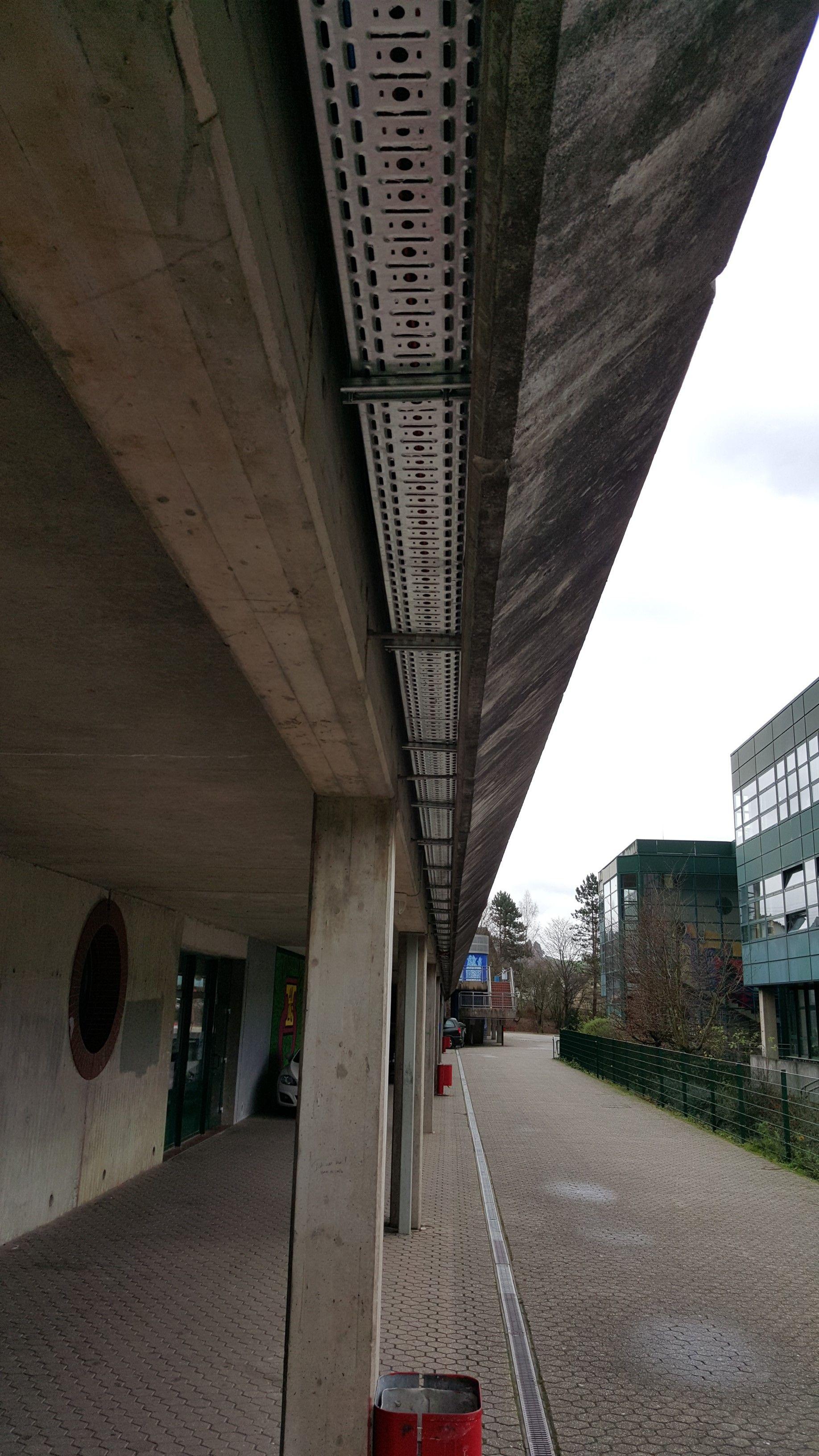 Kabeltrasse zur Anbindung der Sporthalle an die Schule